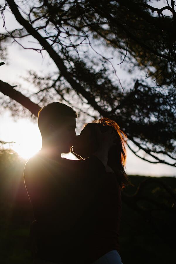 Séance photo de couple en Auvergne réalisée par Priscillia Hervier, photographe clermont ferrand