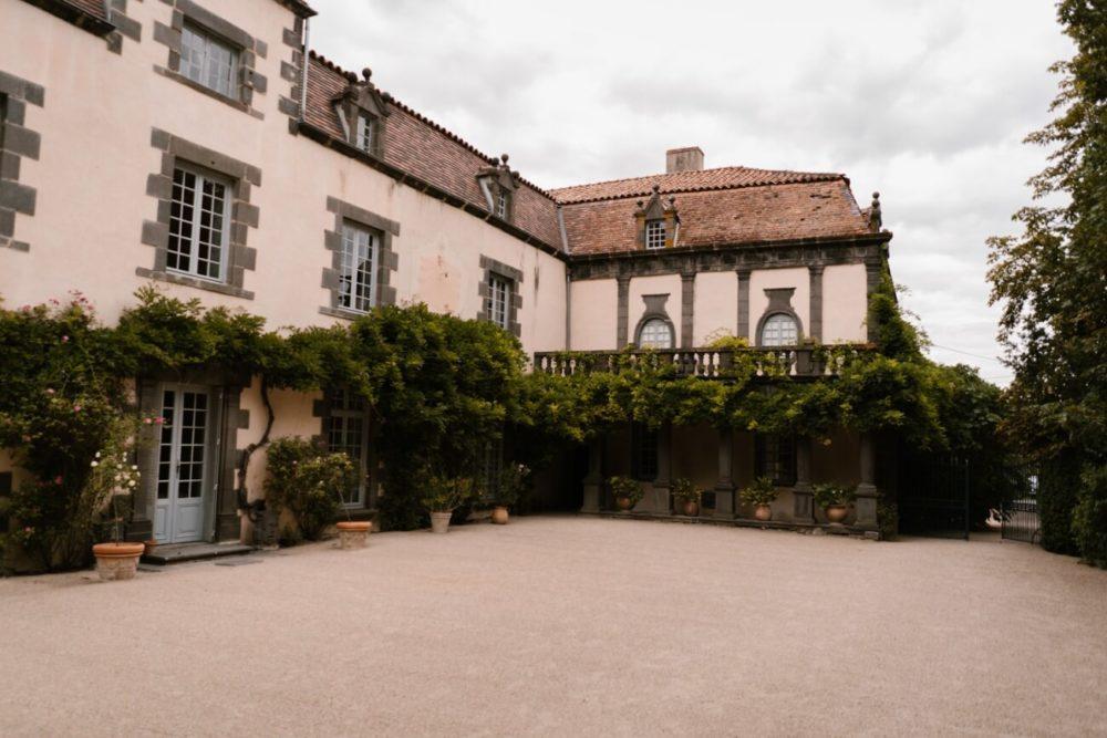 mariage élégant au chateau de davayat, près de riom en auvergne, Priscillia Hervier
