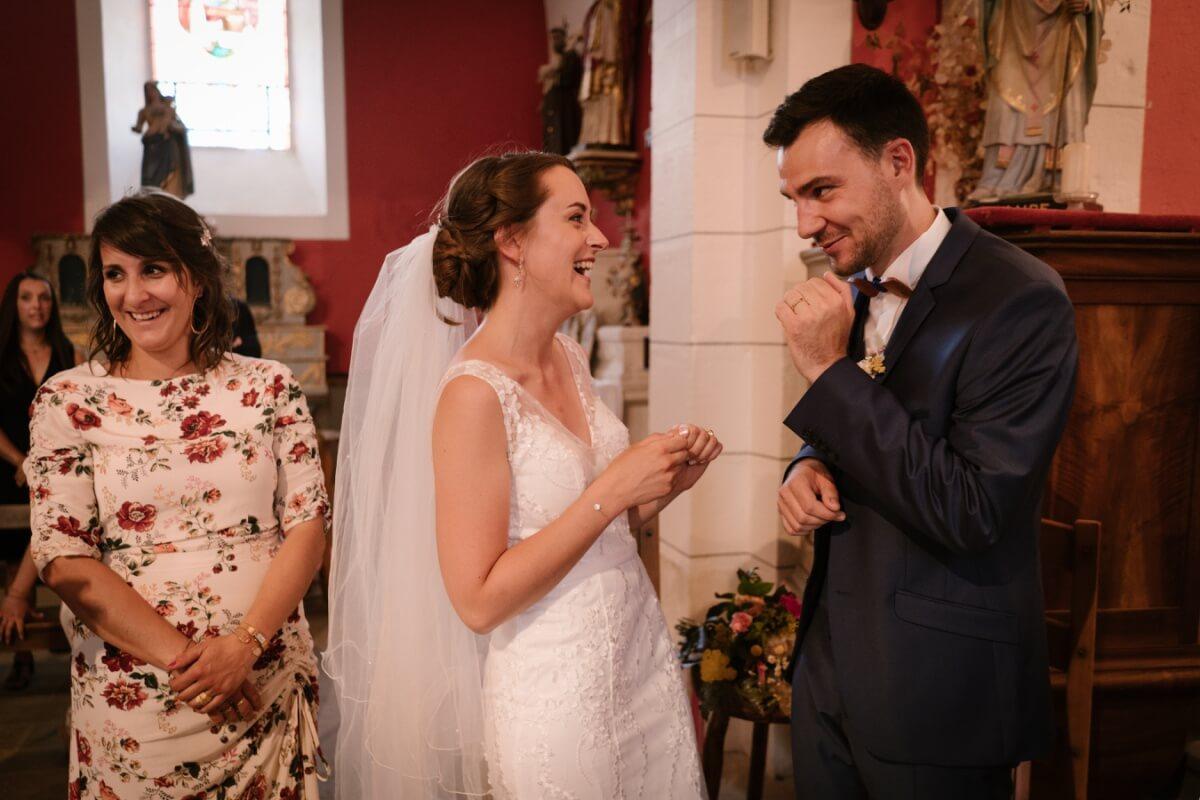 mariage en petit comité en auvergne, priscillia hervier, cérémonie religieuse