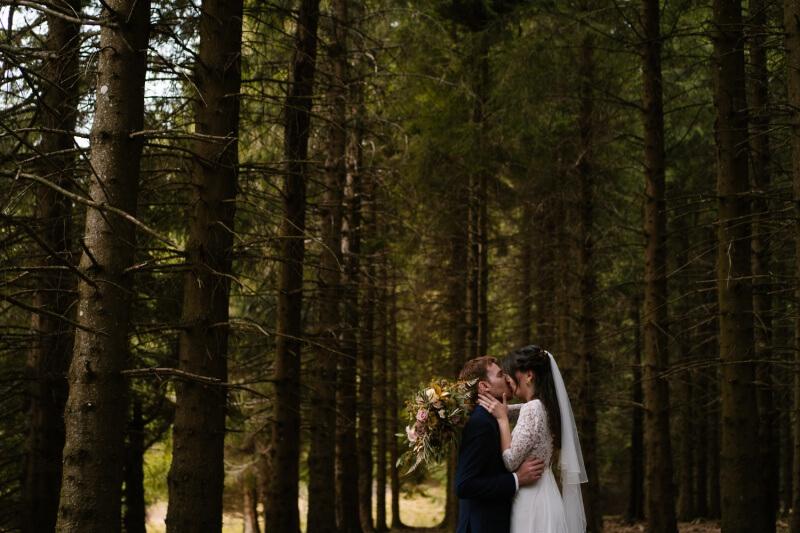 photographe en auvergne de mariages , priscillia hervier, cantal